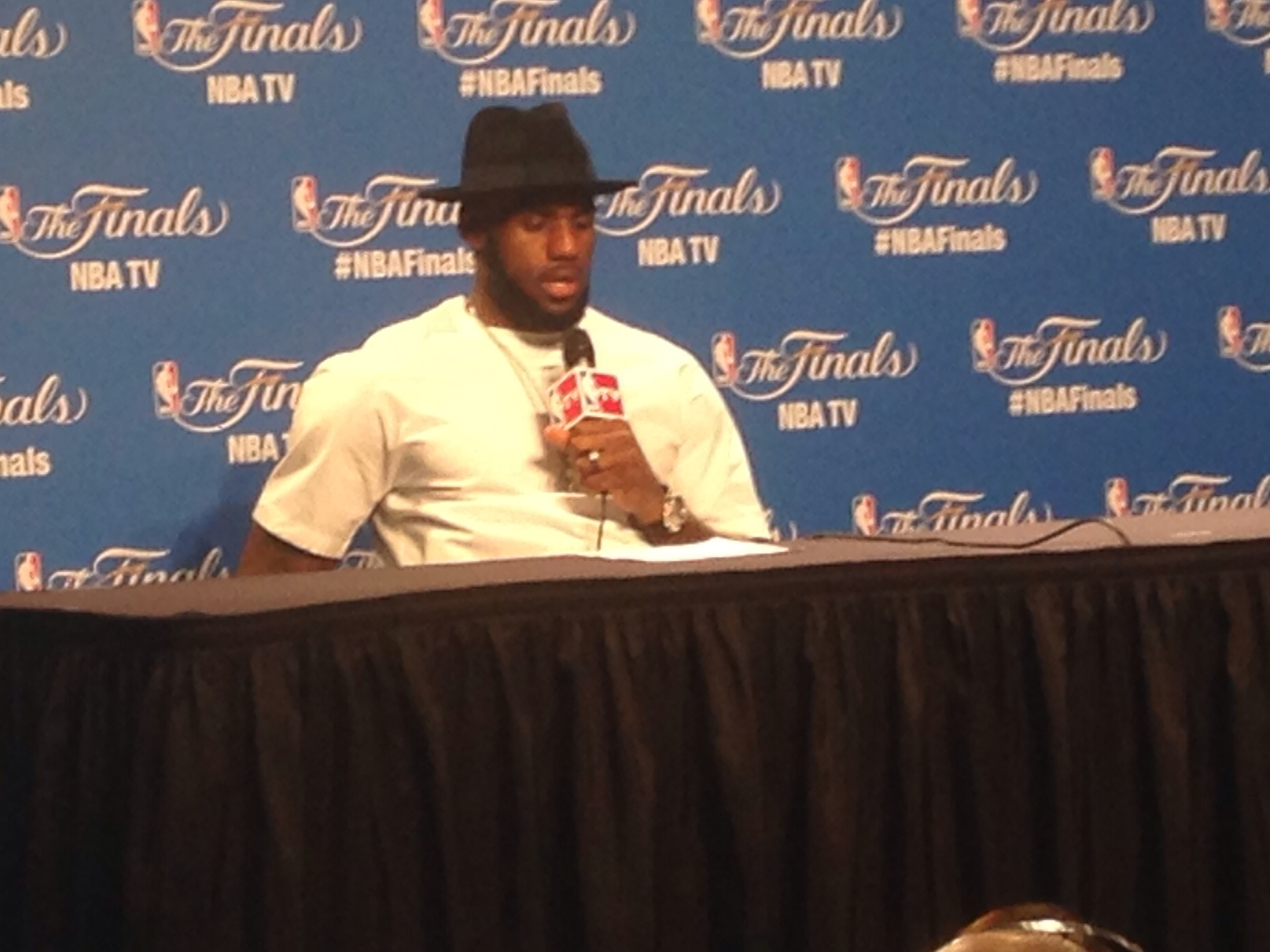 LeBron James Podium Game 4 FINALS